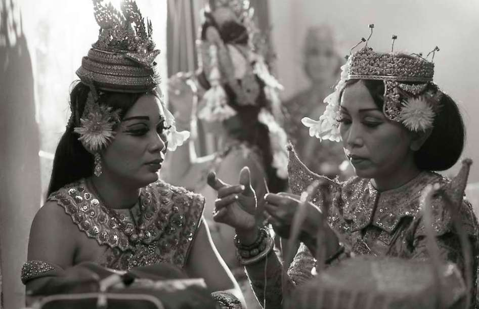 Two women of the Cambodian Royal Ballet who had survived the Khmer Rouge, 1989.
