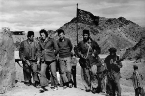 First pictures of Soviet prisoners of the mudjahedeen in Southren Afghanistan (1981)