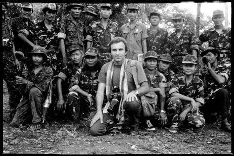 inside Cambodia (1979) with the guerrilla